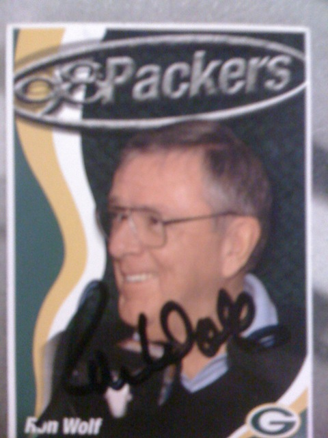 <div class='photo-info'><span class='counter'>12 of 22</span>Posted Jul 28, 2010</div><div class='photo-title'>Ron Wolf signed my card</div><div class='photo-body'>At Packer Fan Fest. A awesome dude in line gave me this card because his line had NOONE!</div>