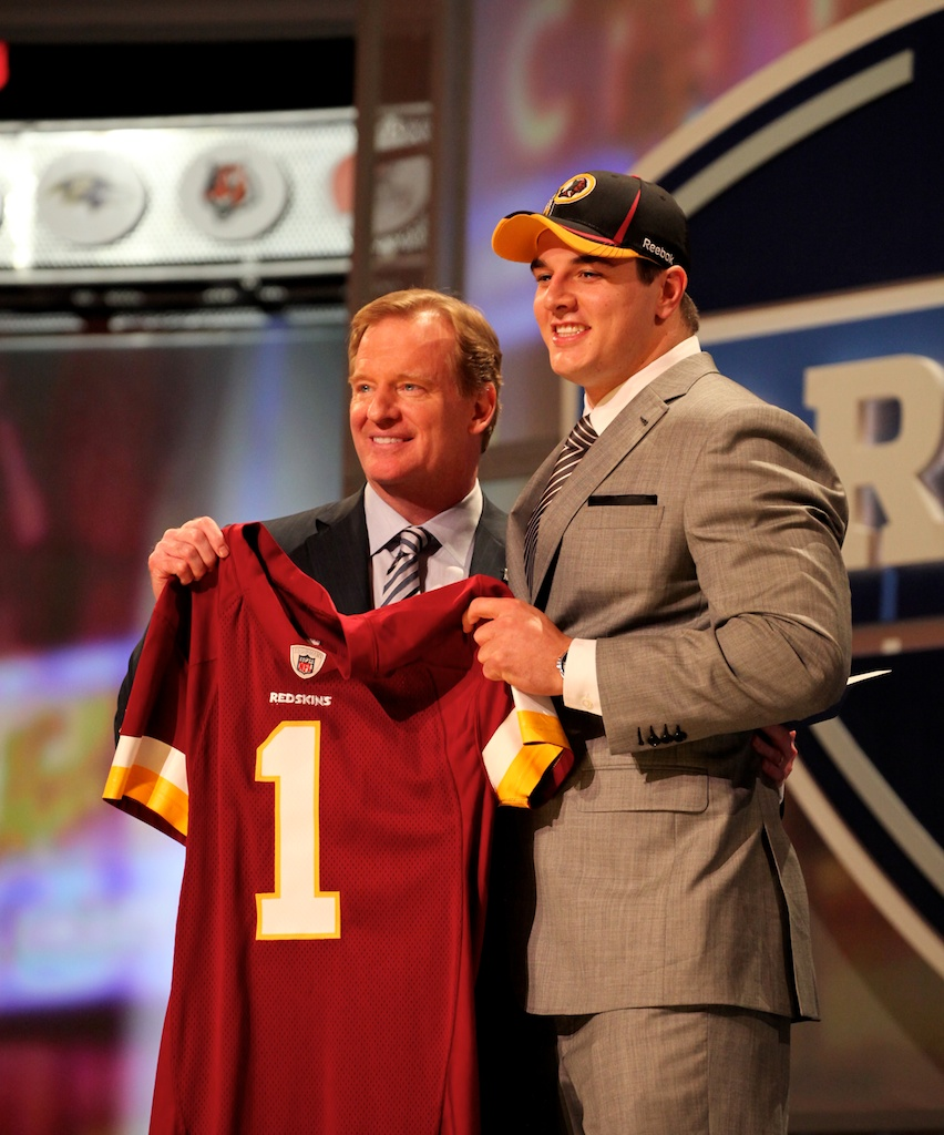 <div class='photo-info'><span class='counter'>37 of 50</span>Posted Apr 29, 2011</div><div class='photo-title'>Ryan Kerrigan &amp; Roger Goodell</div><div class='photo-body'>Ryan Kerrigan with Commissioner Roger Goodell after being selected by the Washington Redskins during the 2011 NFL Draft at Radio City Music Hall on April 28, 2011 in New York, NY.</div>