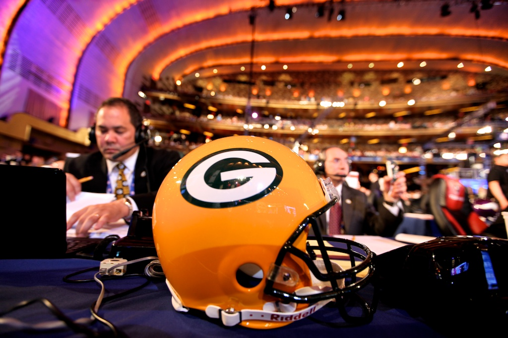 <div class='photo-info'><span class='counter'>34 of 50</span>Posted Apr 29, 2011</div><div class='photo-title'>Packer Helmet</div><div class='photo-body'>The Packers Team table at the 2011 NFL Draft at Radio City Music Hall on April 29, 2011 in New York, NY.</div>
