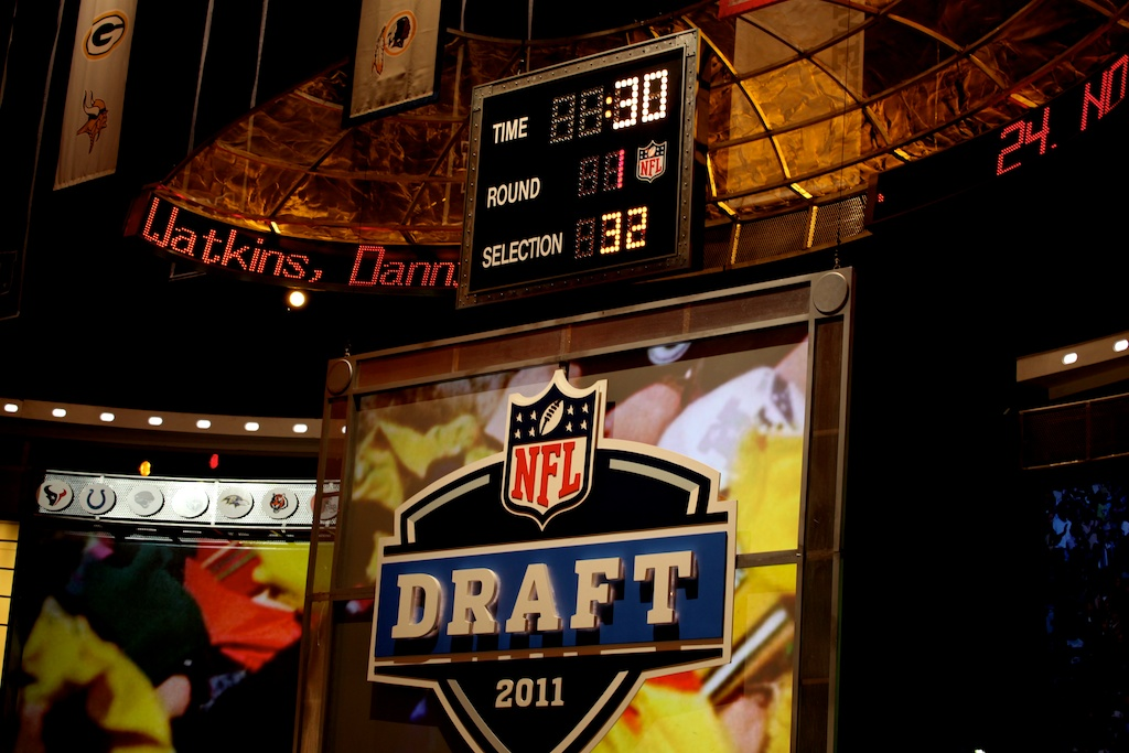<div class='photo-info'><span class='counter'>50 of 50</span>Posted Apr 29, 2011</div><div class='photo-title'>Day 1 Final Count</div><div class='photo-body'>30 seconds left at the end 2011 NFL Draft at Radio City Music Hall on April 28, 2011 in New York, NY</div>