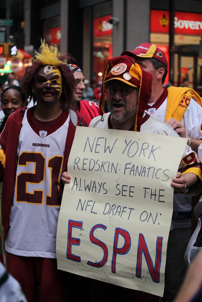 <div class='photo-info'><span class='counter'>16 of 50</span>Posted Apr 29, 2011</div><div class='photo-title'>Redskins Fans before the draft</div><div class='photo-body'>2011 NFL Draft at Radio City Music Hall on April 28, 2011 in New York, NY</div>
