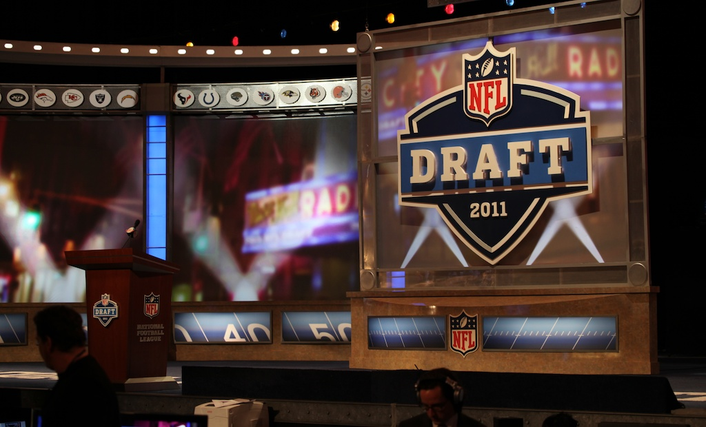 <div class='photo-info'><span class='counter'>3 of 50</span>Posted Apr 29, 2011</div><div class='photo-title'>Draft Stage</div><div class='photo-body'>Stage at the 2011 NFL Draft at Radio City Music Hall on April 29, 2011 in New York, NY.</div>