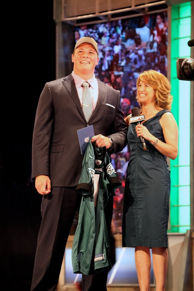 <div class='photo-info'><span class='counter'>49 of 50</span>Posted Apr 29, 2011</div><div class='photo-title'>Danny Watkins &amp; Suzy Kolber</div><div class='photo-body'>Danny Watkins with ESPN's Suzy Kolber after being selected by the Philadelphia Eagles during the 2011 NFL Draft at Radio City Music Hall on April 28, 2011 in New York, NY.</div>
