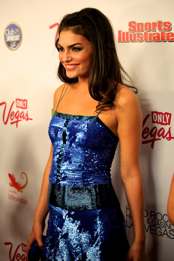 <div class='photo-info'><span class='counter'>11 of 35</span>Posted Mar 28, 2011</div><div class='photo-title'>Alyssa Miller</div><div class='photo-body'>SI Swimsuit Model Alyssa Miller on the red carpet in Las Vegas at the Hard Rock Casino for the Sports Illustrated Swimsuit Launch 2011</div>