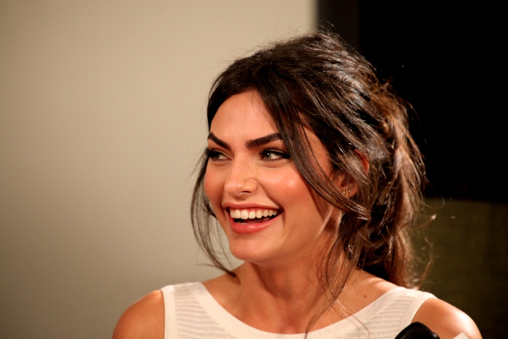 <div class='photo-info'><span class='counter'>22 of 35</span>Posted Mar 28, 2011</div><div class='photo-title'>Alyssa Miller</div><div class='photo-body'>SI Swimsuit Model Alyssa Miller smiles during a live webcast in Vegas at the Hard Rock Cafe for the Sports Illustrated Swimsuit Launch 2011</div>