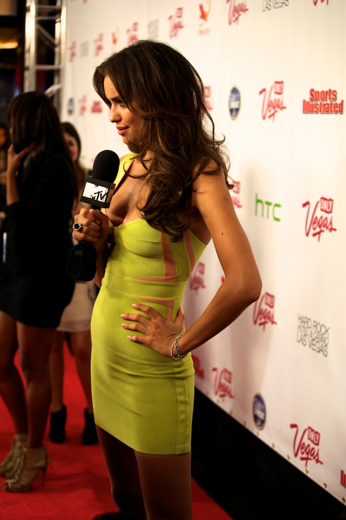 <div class='photo-info'><span class='counter'>3 of 35</span>Posted Mar 28, 2011</div><div class='photo-title'>Irina Shayk on MTV</div><div class='photo-body'>SI Swimsuit Cover Model Irina Shayk on the Red Carpet in Vegas at the Hard Rock Cafe for the Sports Illustrated Swimsuit Launch 2011</div>