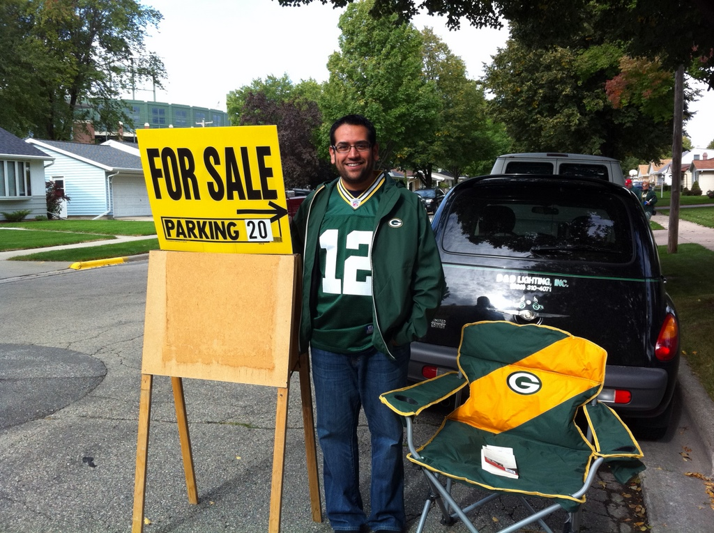 <div class='photo-info'><span class='counter'>64 of 71</span>Posted Sep 20, 2010</div><div class='photo-title'>Not a true Packer fan experience until you park in someone&#039;s front yard.</div><div class='photo-body'>(Notice Lambeau in the background, one block away.)</div>