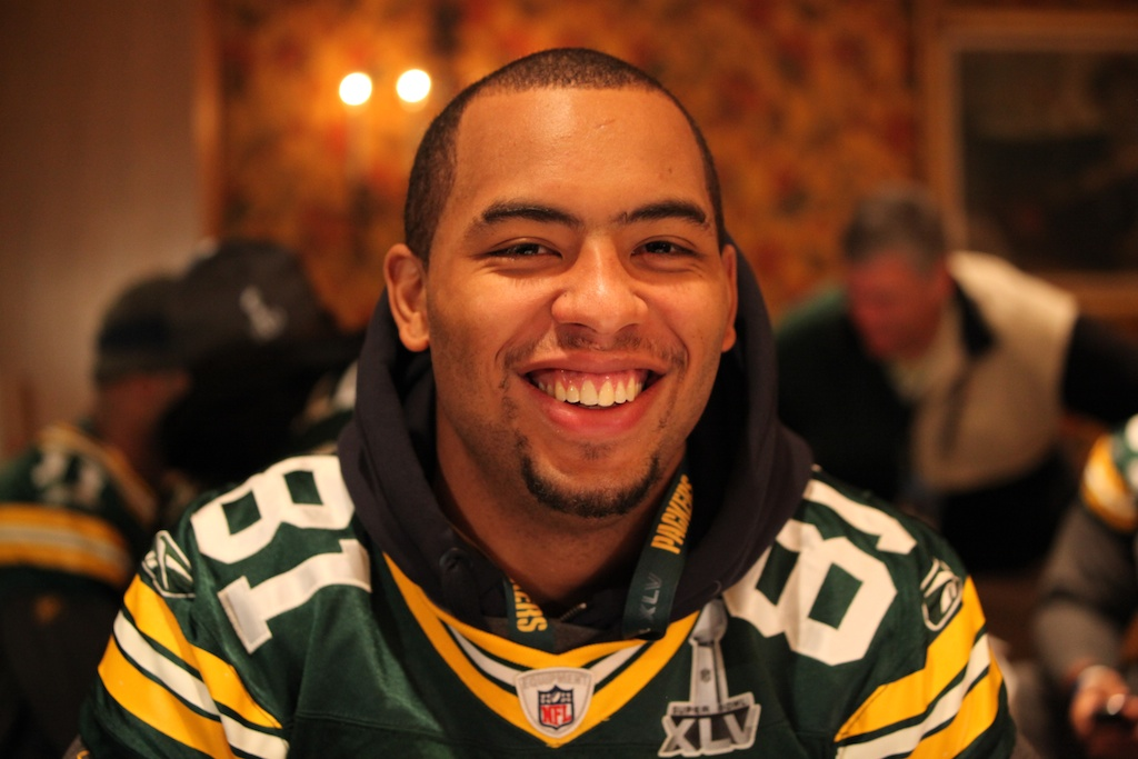 <div class='photo-info'><span class='counter'>24 of 42</span>Posted Feb 03, 2011</div><div class='photo-title'>Andrew Quarless Smiles</div><div class='photo-body'>Super Bowl Day 4 with the Green Bay Packers. Thursday Feb 3rd 2011</div>