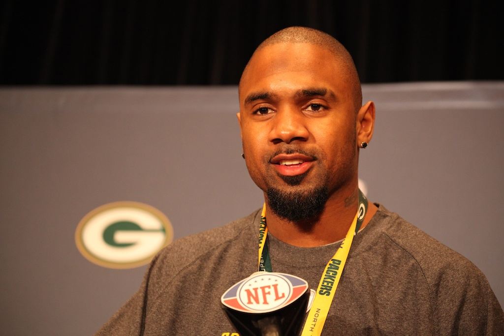 <div class='photo-info'><span class='counter'>41 of 42</span>Posted Feb 03, 2011</div><div class='photo-title'>Charles Woodson</div><div class='photo-body'>Super Bowl Day 4 with the Green Bay Packers. Thursday Feb 3rd 2011</div>
