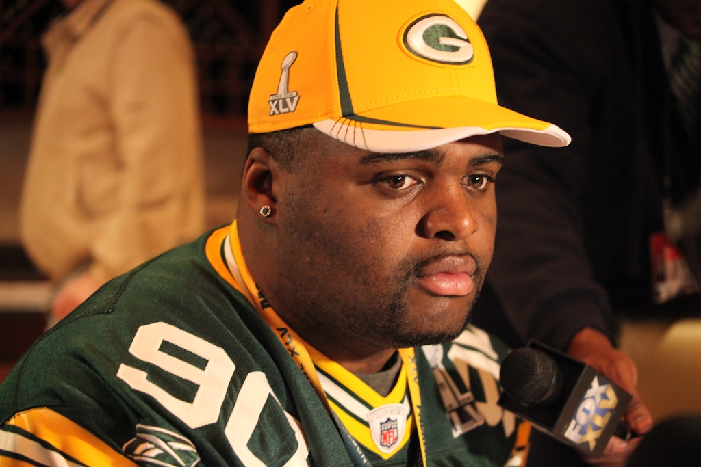 <div class='photo-info'><span class='counter'>5 of 42</span>Posted Feb 03, 2011</div><div class='photo-title'>B.J. Raji</div><div class='photo-body'>Super Bowl Day 4 with the Green Bay Packers. Thursday Feb 3rd 2011</div>