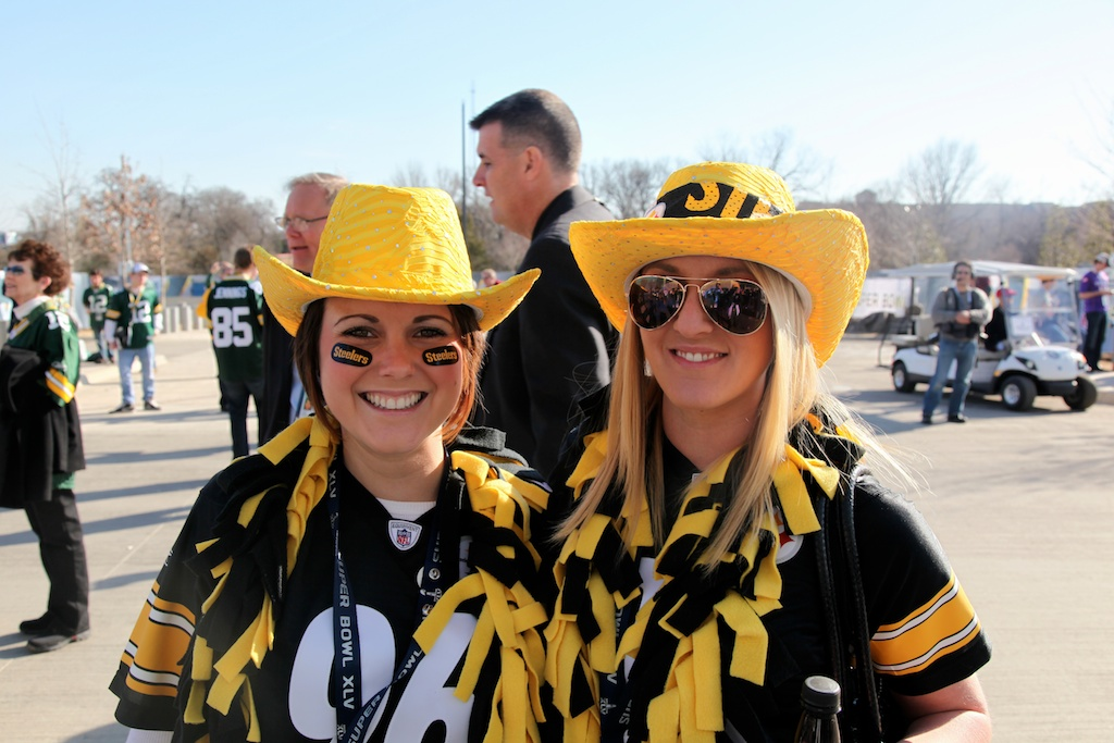 <div class='photo-info'><span class='counter'>10 of 48</span>Posted Feb 12, 2011</div><div class='photo-title'>Steelers Fans</div><div class='photo-body'>Dallas Cowboys Stadium- Super Bowl 45. Feb 6th 2011</div>