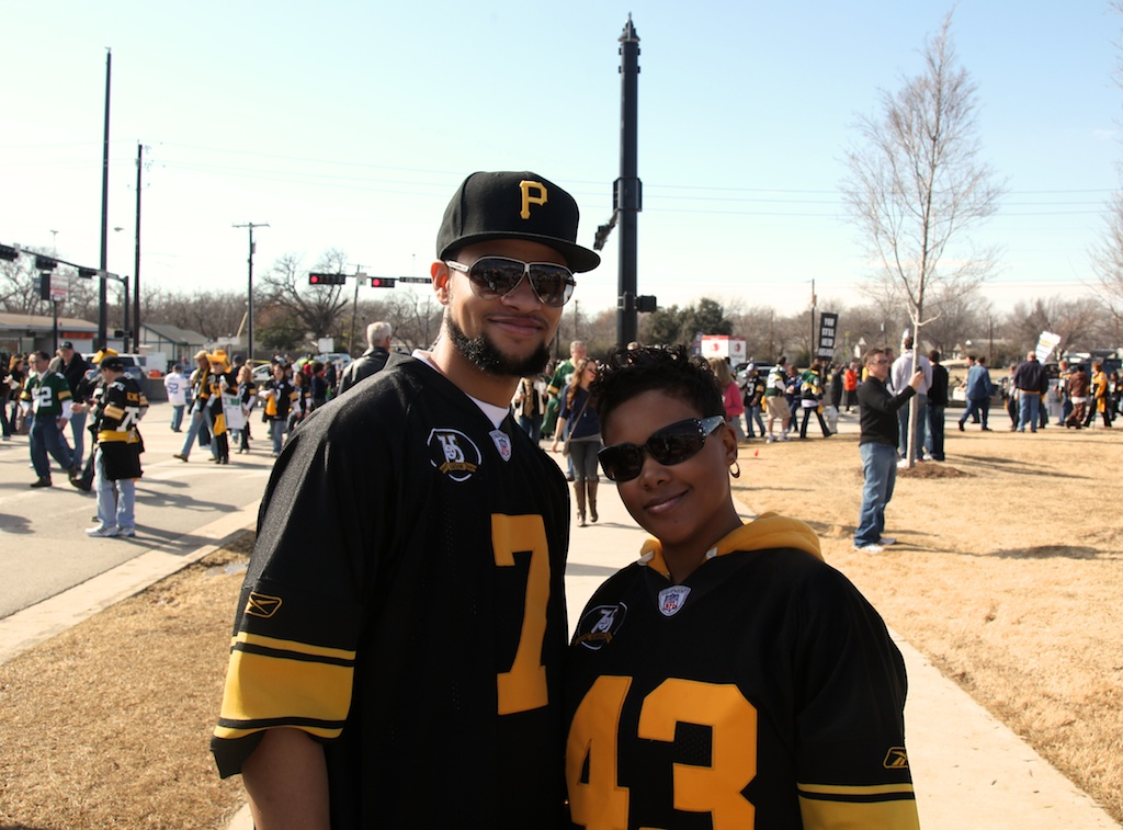 <div class='photo-info'><span class='counter'>33 of 48</span>Posted Feb 12, 2011</div><div class='photo-title'>Steelers Fans</div><div class='photo-body'>Dallas Cowboys Stadium- Super Bowl 45. Feb 6th 2011</div>