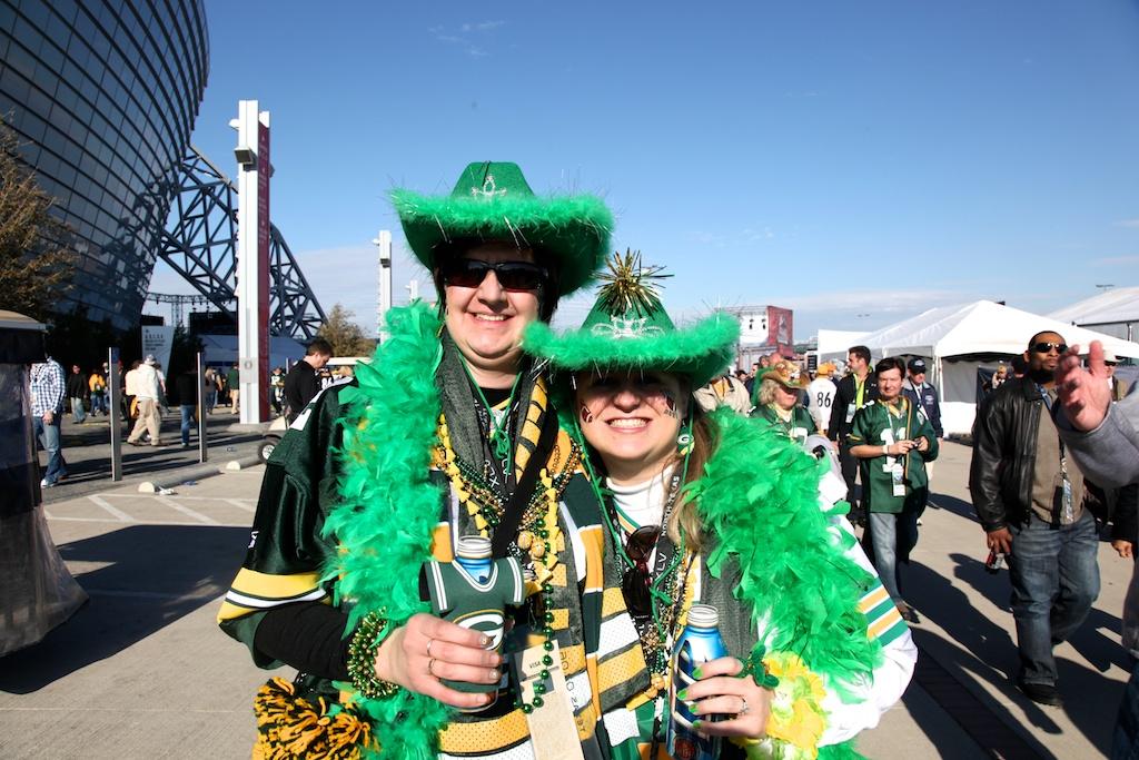 <div class='photo-info'><span class='counter'>6 of 48</span>Posted Feb 12, 2011</div><div class='photo-title'>Packer Fans</div><div class='photo-body'>Dallas Cowboys Stadium- Super Bowl 45. Feb 6th 2011</div>