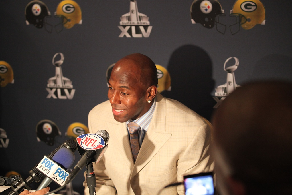 <div class='photo-info'><span class='counter'>12 of 28</span>Posted Jan 31, 2011</div><div class='photo-title'>Donald Driver</div><div class='photo-body'>Superbowl XLV Day One- Jan 31st 2011</div>