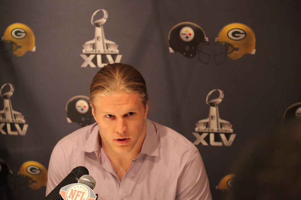 <div class='photo-info'><span class='counter'>18 of 28</span>Posted Jan 31, 2011</div><div class='photo-title'>Clay Matthews</div><div class='photo-body'>Clay Matthews addresses reporters at Superbowl 45</div>