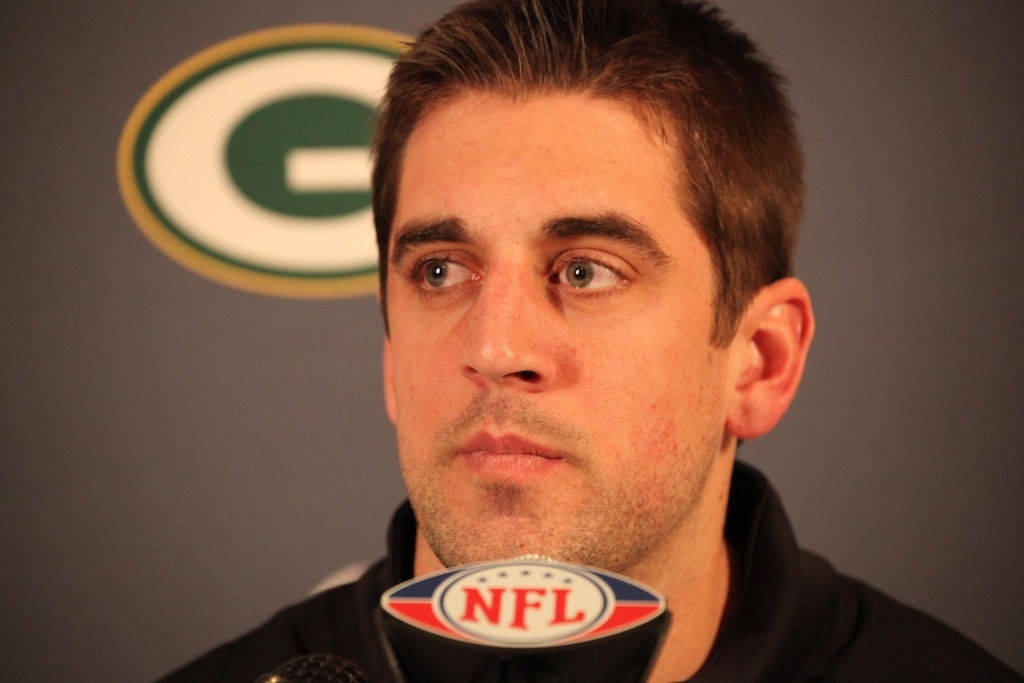 <div class='photo-info'><span class='counter'>21 of 28</span>Posted Jan 31, 2011</div><div class='photo-title'>Aaron Rodgers addresses media</div><div class='photo-body'>Superbowl XLV Day One- Jan 31st 2011</div>