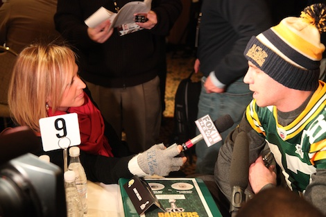 <div class='photo-info'><span class='counter'>32 of 55</span>Posted Feb 02, 2011</div><div class='photo-title'>Paige Pearson interviews Jordy Nelson</div><div class='photo-body'>Superbowl Day 3 with the Green Bay Packers. Wednesday Feb 2nd 2011</div>