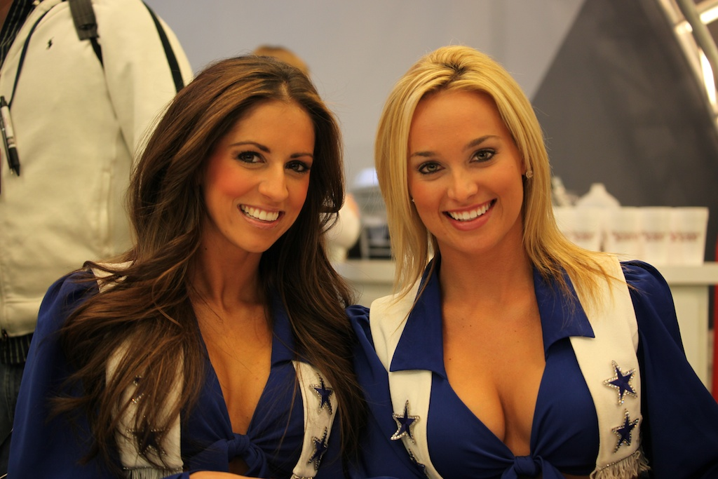 <div class='photo-info'><span class='counter'>20 of 73</span>Posted Feb 04, 2011</div><div class='photo-title'>Dallas Cowboy Cheerleaders</div><div class='photo-body'>NFL Super Bowl Media Center pics from Friday Feb 4th 2011</div>