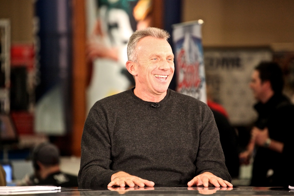 <div class='photo-info'><span class='counter'>21 of 73</span>Posted Feb 04, 2011</div><div class='photo-title'>Joe Montana</div><div class='photo-body'>NFL Super Bowl Media Center pics from Friday Feb 4th 2011</div>