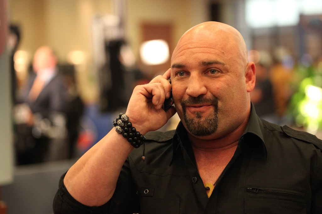 <div class='photo-info'><span class='counter'>25 of 73</span>Posted Feb 04, 2011</div><div class='photo-title'>Jay Glazer</div><div class='photo-body'>NFL Super Bowl Media Center pics from Friday Feb 4th 2011</div>