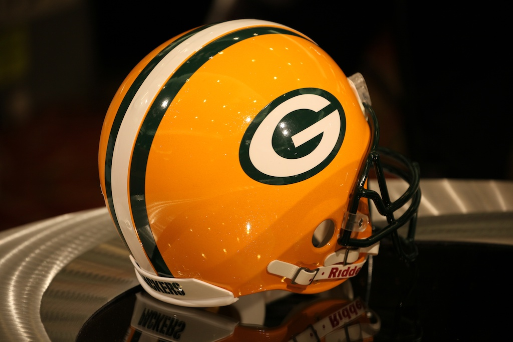 <div class='photo-info'><span class='counter'>31 of 73</span>Posted Feb 04, 2011</div><div class='photo-title'>Packer Helmet</div><div class='photo-body'>NFL Super Bowl Media Center pics from Friday Feb 4th 2011</div>