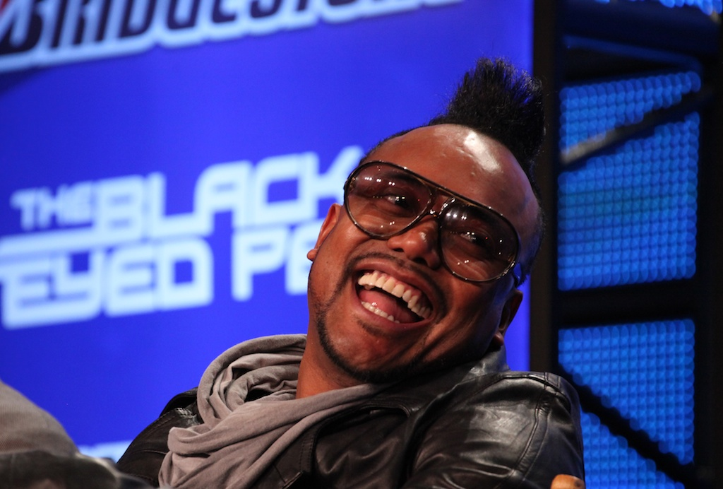 <div class='photo-info'><span class='counter'>33 of 73</span>Posted Feb 04, 2011</div><div class='photo-title'>apl.de.ap of the Black Eyed Peas</div><div class='photo-body'>NFL Super Bowl Media Center pics from Friday Feb 4th 2011</div>