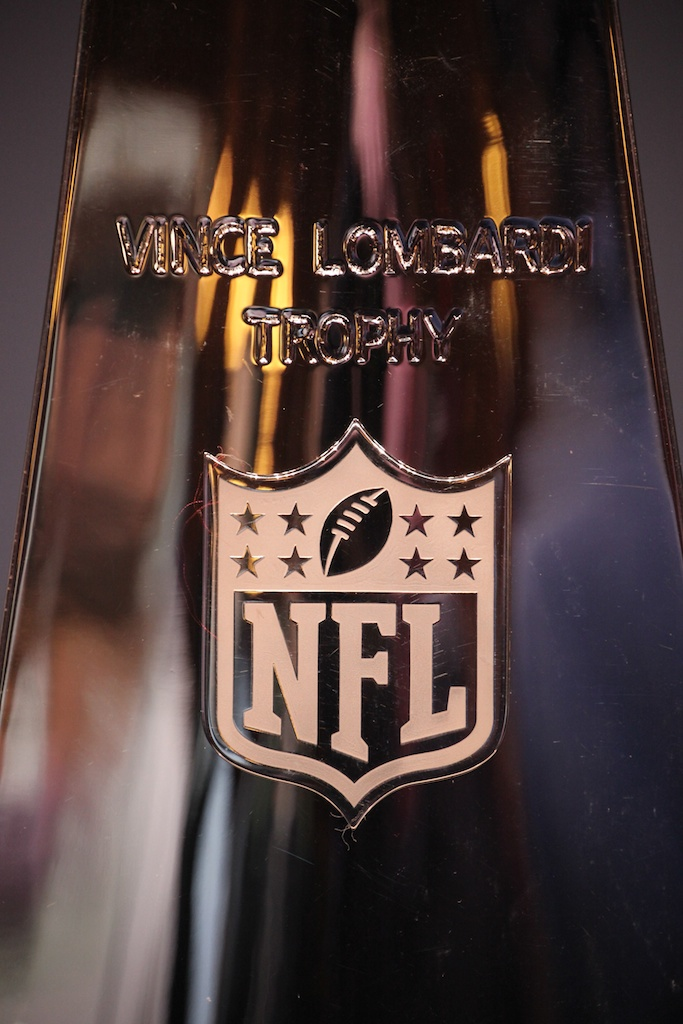 <div class='photo-info'><span class='counter'>49 of 73</span>Posted Feb 04, 2011</div><div class='photo-title'>Close-Up of Lombardi Trophy</div><div class='photo-body'>NFL Super Bowl Media Center pics from Friday Feb 4th 2011</div>