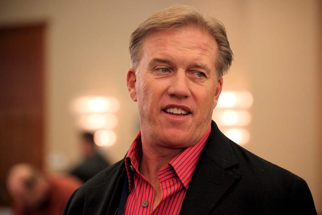 <div class='photo-info'><span class='counter'>15 of 73</span>Posted Feb 04, 2011</div><div class='photo-title'>John Elway</div><div class='photo-body'>NFL Super Bowl Media Center pics from Friday Feb 4th 2011</div>