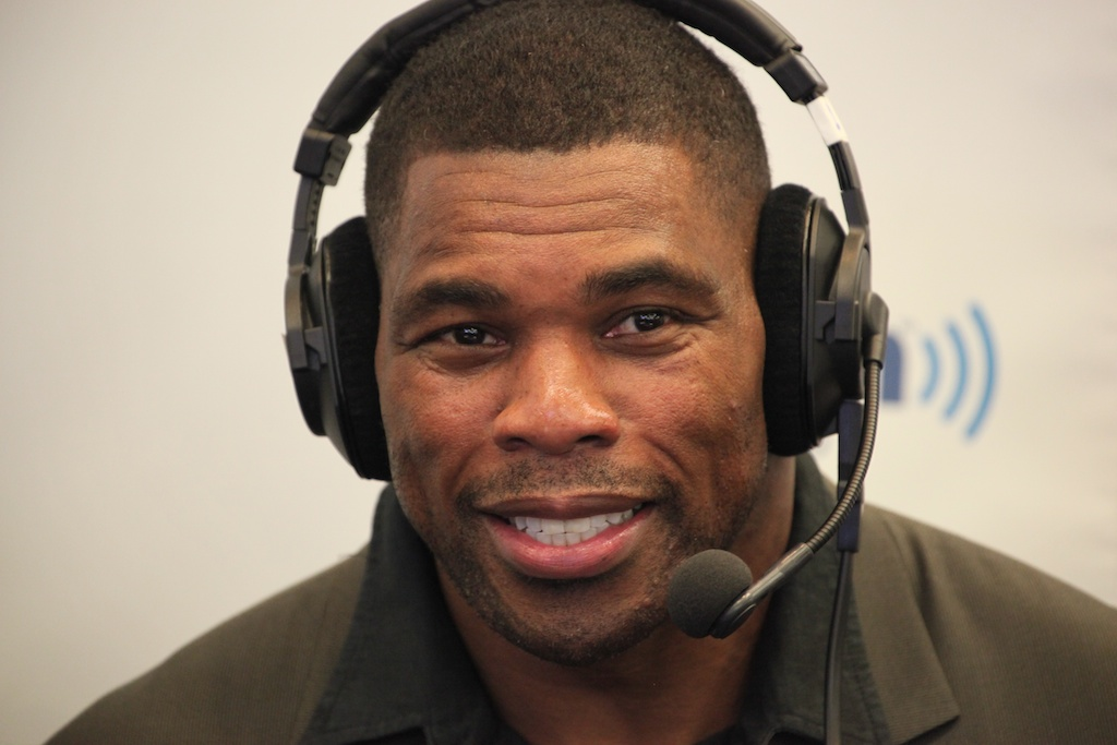 <div class='photo-info'><span class='counter'>64 of 73</span>Posted Feb 04, 2011</div><div class='photo-title'>Herschel Walker</div><div class='photo-body'>NFL Super Bowl Media Center pics from Friday Feb 4th 2011</div>