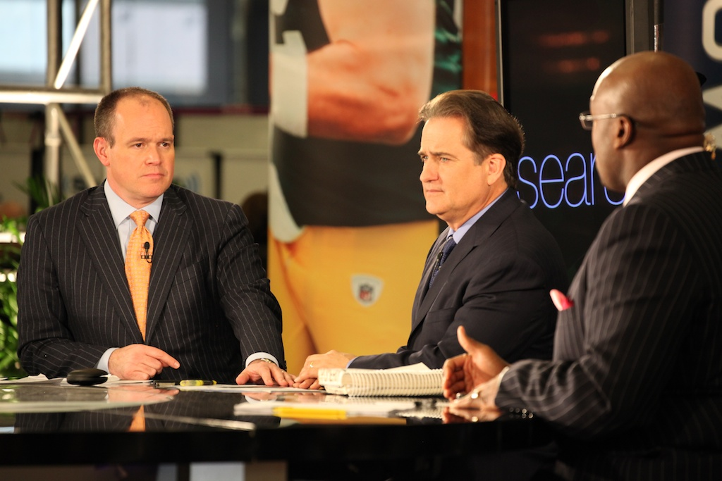 <div class='photo-info'><span class='counter'>19 of 73</span>Posted Feb 04, 2011</div><div class='photo-title'>Rich Eisen, Steve Mariucci &amp; Jamie Dukes</div><div class='photo-body'>NFL Super Bowl Media Center pics from Friday Feb 4th 2011</div>