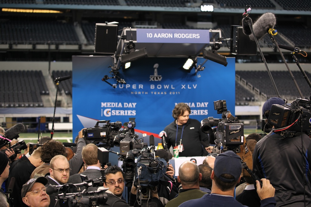 <div class='photo-info'><span class='counter'>50 of 136</span>Posted Feb 01, 2011</div><div class='photo-title'>Superbowl Packers MediaDay 203</div><div class='photo-body'>Superbowl Media Day with the Green Bay Packers. Tuesday Feb 1st 2011</div>
