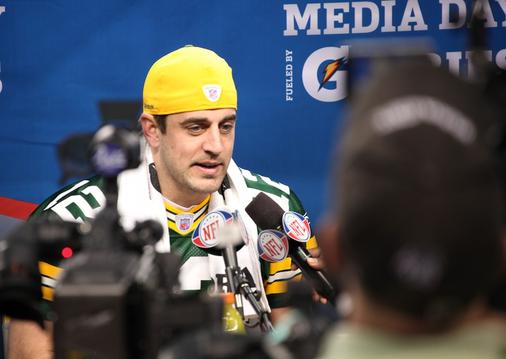 <div class='photo-info'><span class='counter'>52 of 136</span>Posted Feb 01, 2011</div><div class='photo-title'>Aaron Rodgers</div><div class='photo-body'>Superbowl Media Day with the Green Bay Packers. Tuesday Feb 1st 2011</div>