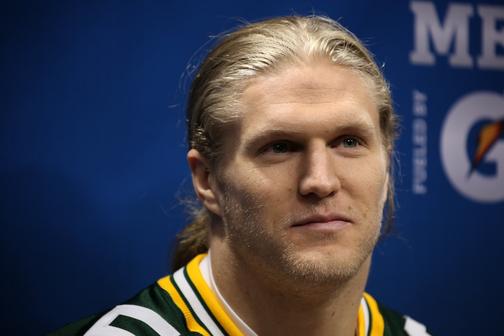 <div class='photo-info'><span class='counter'>76 of 136</span>Posted Feb 01, 2011</div><div class='photo-title'>Clay Matthews</div><div class='photo-body'>Superbowl Media Day with the Green Bay Packers. Tuesday Feb 1st 2011</div>