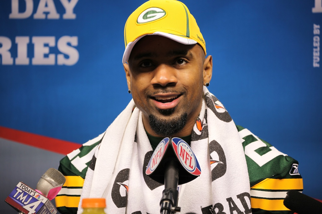 <div class='photo-info'><span class='counter'>87 of 136</span>Posted Feb 01, 2011</div><div class='photo-title'>Charles Woodson</div><div class='photo-body'>Superbowl Media Day with the Green Bay Packers. Tuesday Feb 1st 2011</div>