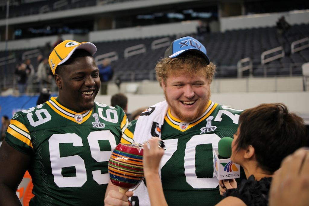<div class='photo-info'><span class='counter'>110 of 136</span>Posted Feb 01, 2011</div><div class='photo-title'>Chris Campbell and T.J. Lang</div><div class='photo-body'>Superbowl Media Day with the Green Bay Packers. Tuesday Feb 1st 2011</div>