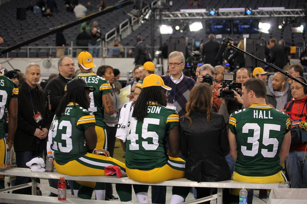 <div class='photo-info'><span class='counter'>117 of 136</span>Posted Feb 01, 2011</div><div class='photo-title'>Packers Chillin at Media Day</div><div class='photo-body'>Superbowl Media Day with the Green Bay Packers. Tuesday Feb 1st 2011</div>