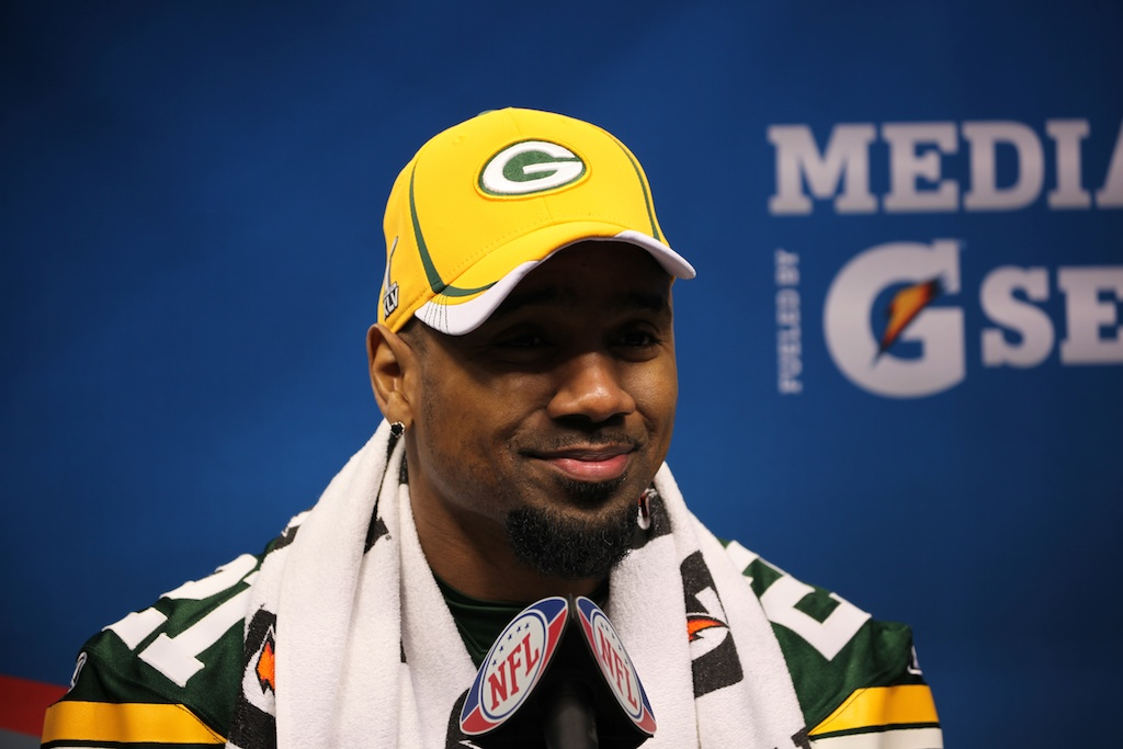 <div class='photo-info'><span class='counter'>121 of 136</span>Posted Feb 01, 2011</div><div class='photo-title'>Charles Woodson</div><div class='photo-body'>Superbowl Media Day with the Green Bay Packers. Tuesday Feb 1st 2011</div>