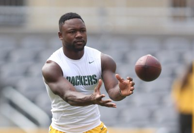 Ty Montgomery and James Starks Sit Out First Practice After Bye Week