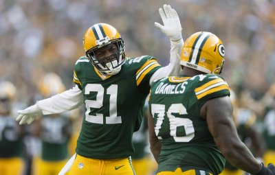 Daniels, Defense Lead the Charge En Route to Packers Victory