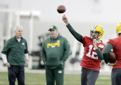 With Aaron Rodgers, Packers Have all the Ingredients for a Playoff Run