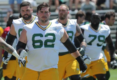No shortage of versatility in Packers' offensive line