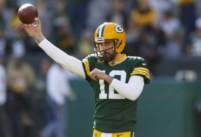 Gut Reactions: Packers beat Raiders