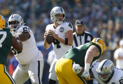 Game Changing Play of the Week: Derek Carr Fumble Results in Massive Point Swing