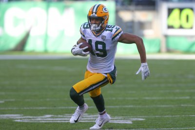 Packers place Equanimeous St. Brown on injured reserve