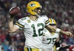 Rodgers Reportedly Recovering From Knee Surgery