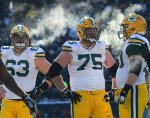 Can Packers O-Line Handle Bears' Pass Rush?