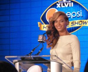 Beyonce Will Sing Live at Super Bowl Halftime Show
